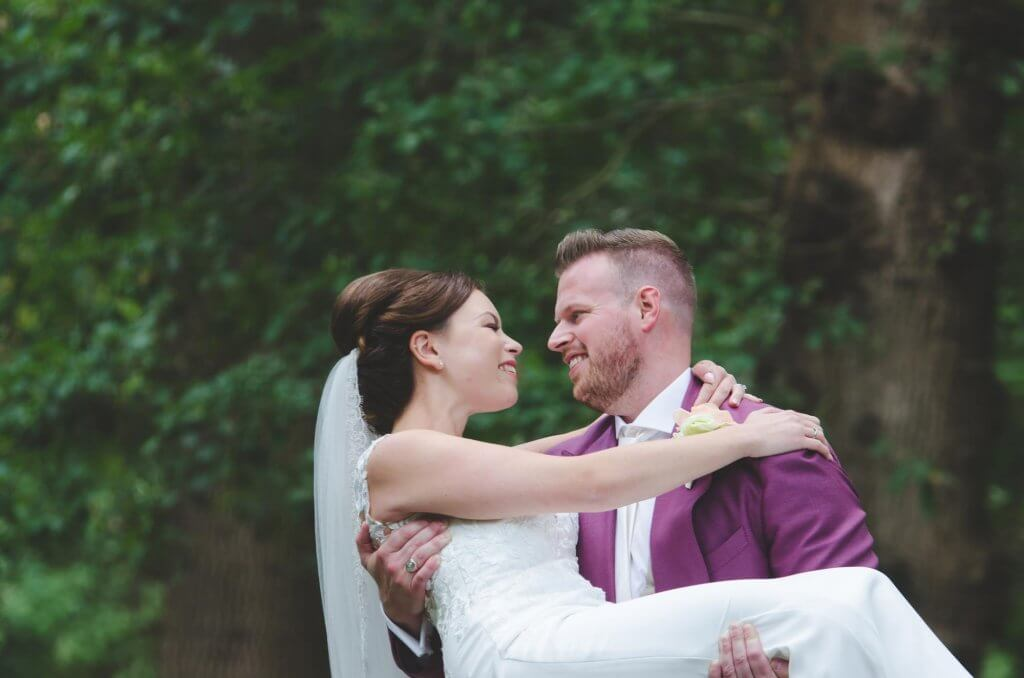 bruidsfoto in het bos